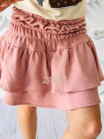 krótka bawełniana spódniczka na gumce w kolorze pudrowego różu falbana