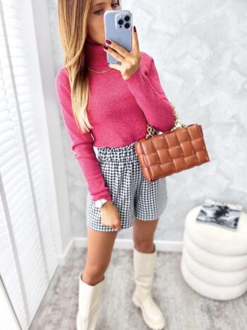 dopasowana bluzka z golfem pink